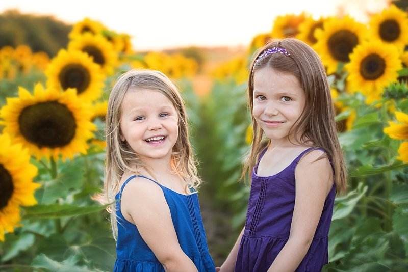 Knob Noster Child Photography Sunflowers_0001.jpg