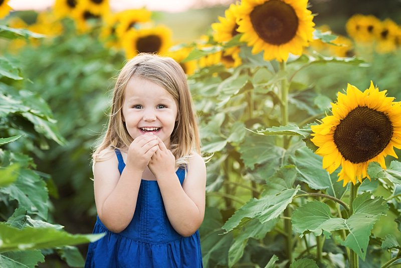 Knob Noster Child Photography Sunflowers_0003.jpg