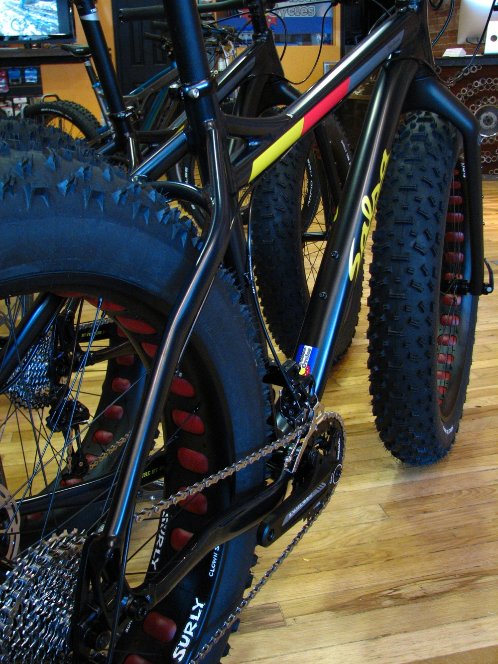 This version of the Blackborow is meant for backcountry exploration or trail crawling. A rigid fork, wide-range 2x10, and more aggressive tires make lots of sense in the deep snow.