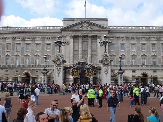 Buckingham Palace, Alex Loach