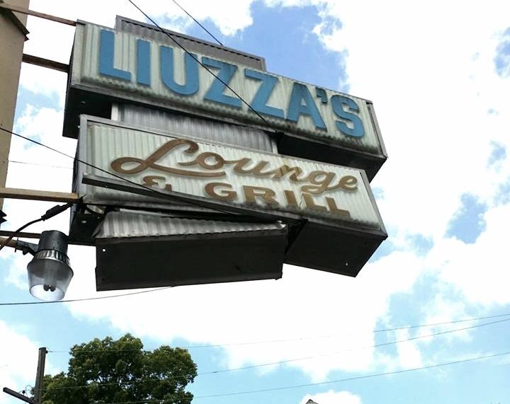 Liuzza's By The Track