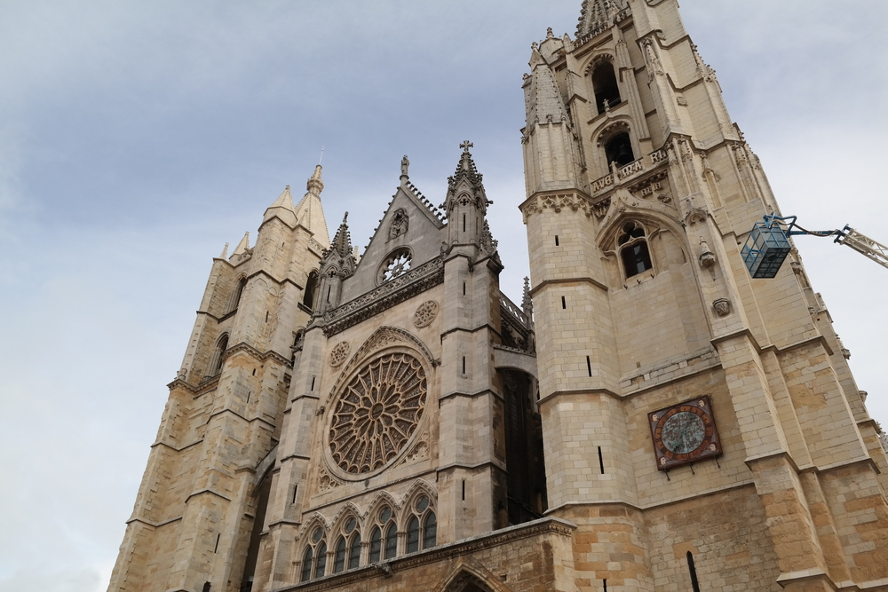 The gothic cathedral in León, undergoing some maintenance right now.