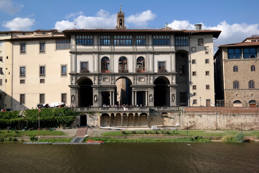 You get a perfect view of the Uffizi Gallery when you eat at Signorvino.