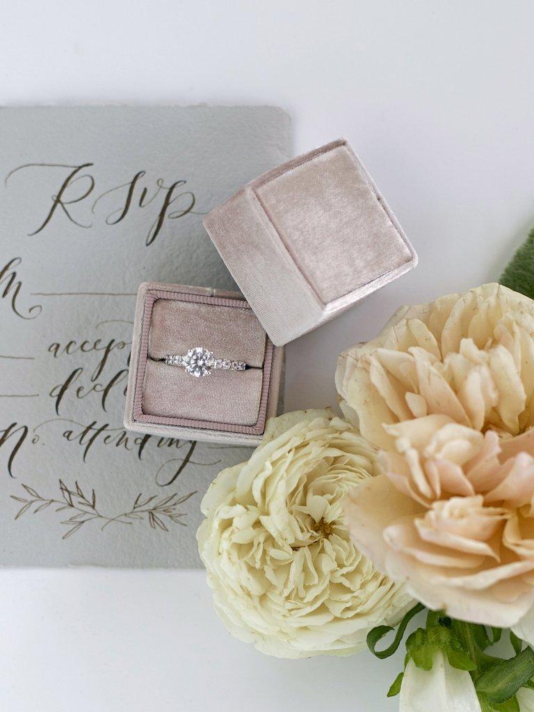 Mrs Box Velvet Ring Box