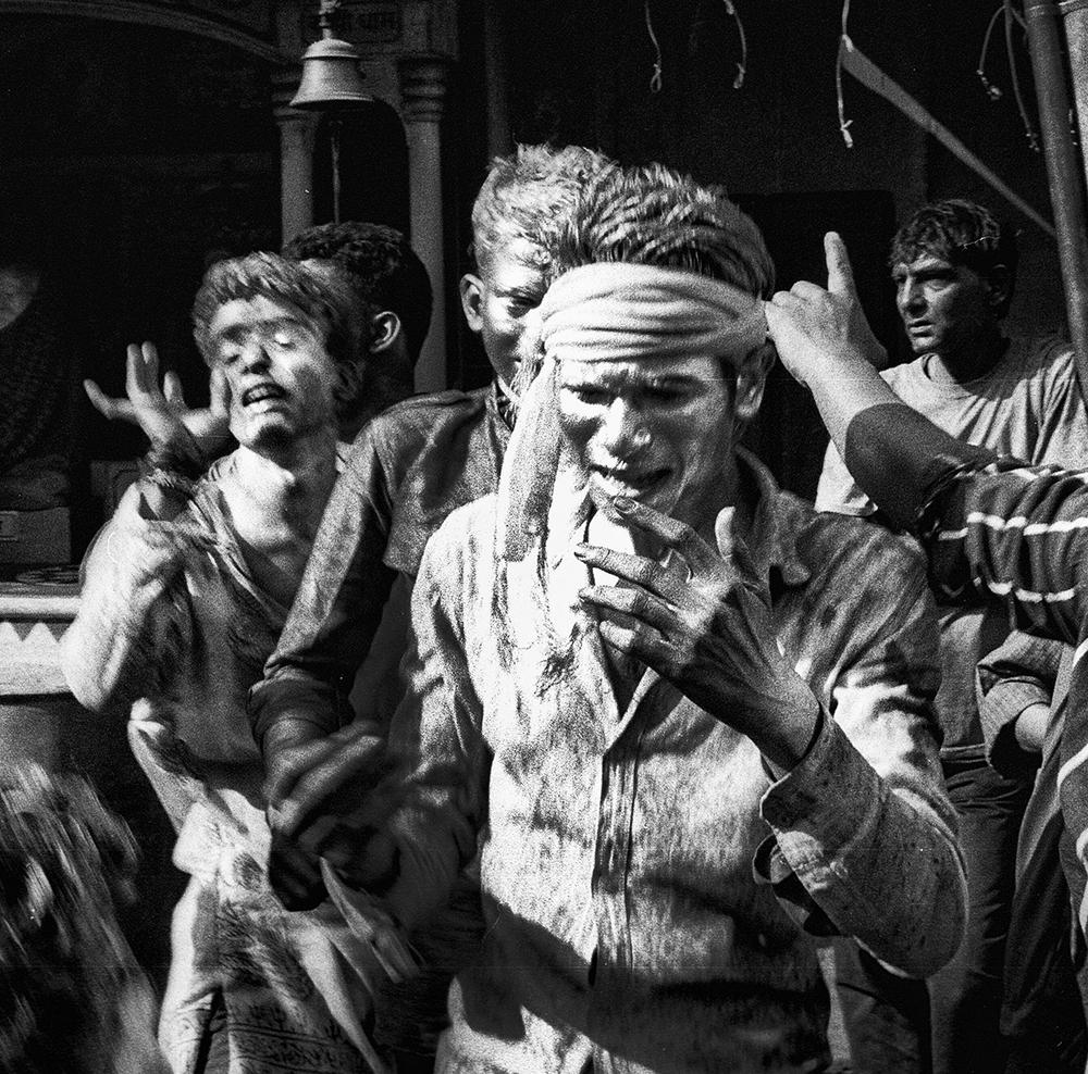 Holi Festival, Varanasi          © Russell Shakespeare 2015