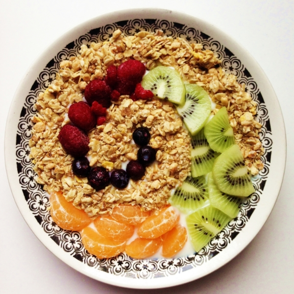 Low-Fat Vanilla Yogurt with Granola, Mandarins, Kiwi, Raspberries, and Blueberries by  @Iselotte