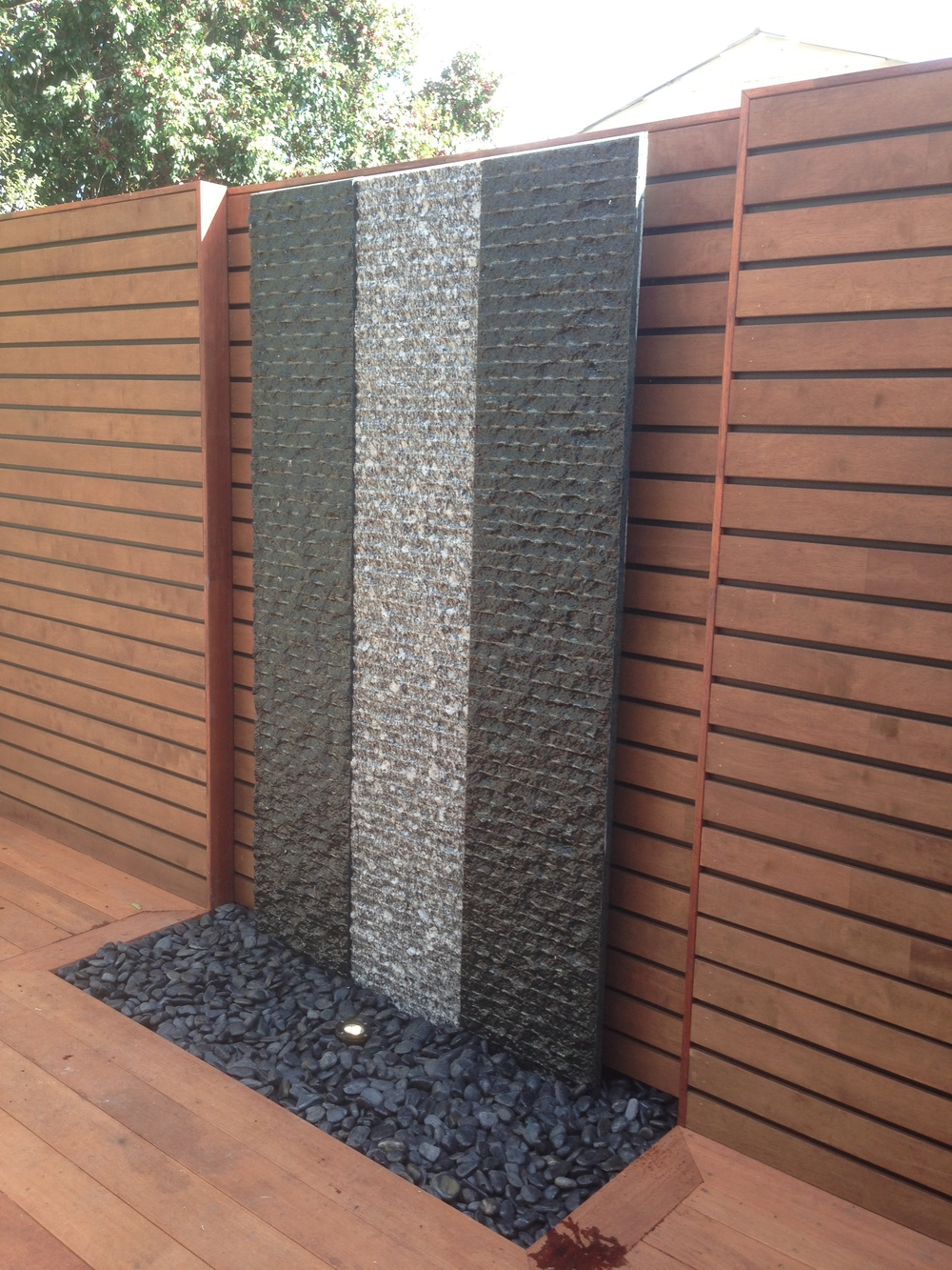 Essendon 1.1m wide water wall