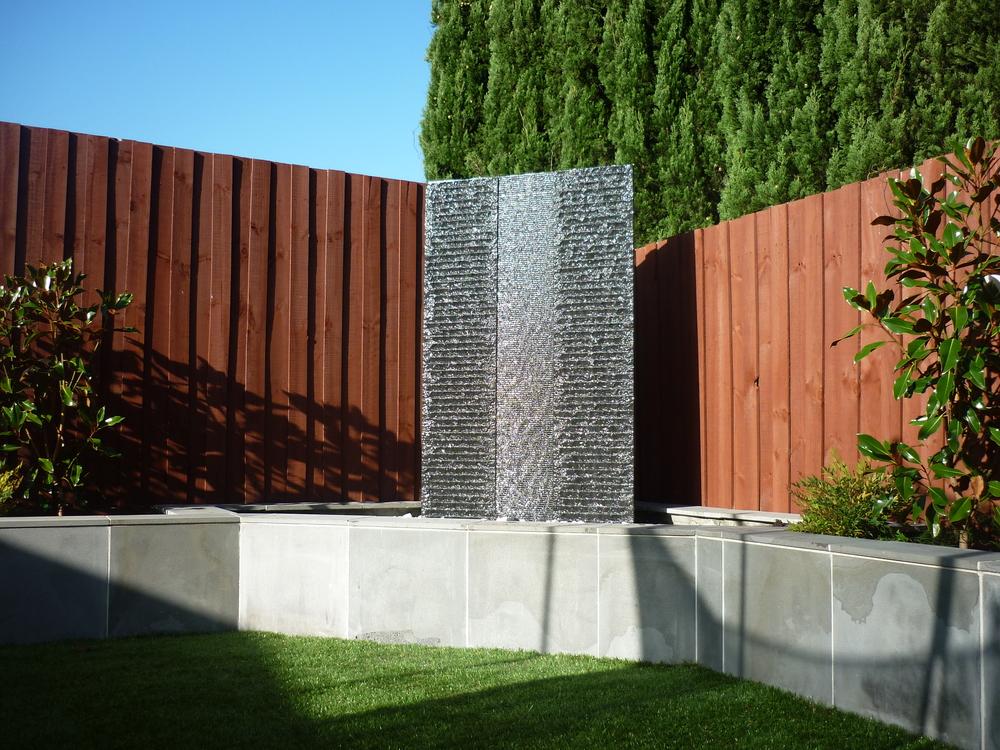 Williamstown garden water feature