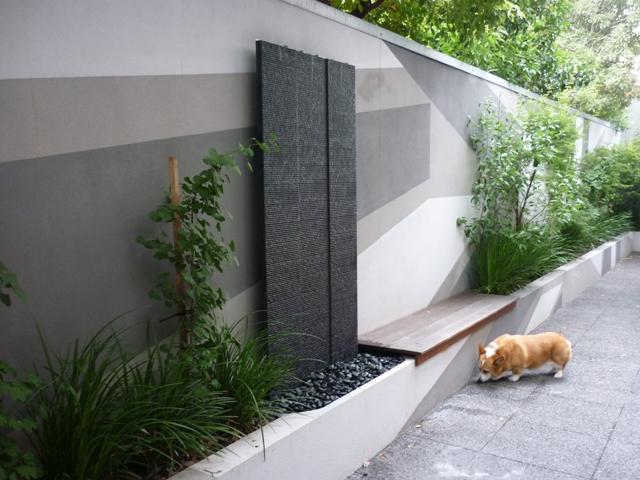 East Brighton garden water wall