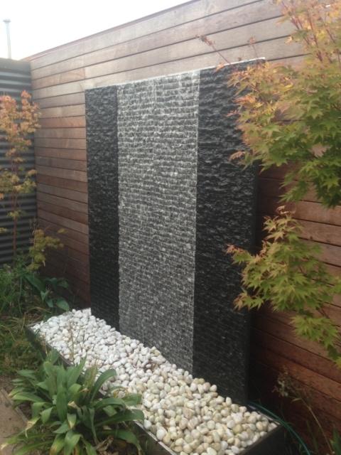 Kew water feature