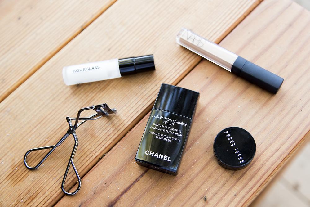 Hourglass   Veil Mineral Primer ,  Nars   Radiant Creamy Concealer ,  Bobbi Brown   Corrector ,  Chanel  Lumiere Velvet ,  Shisedo   eyelash curler