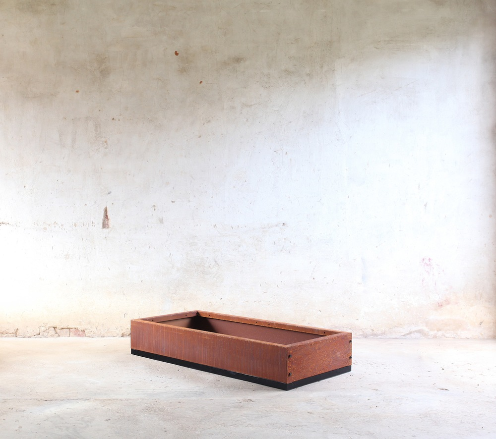 SKEMAH-corten-steel-abilitybox-planter-180x600x1200-nrn1407102-web-res.jpg