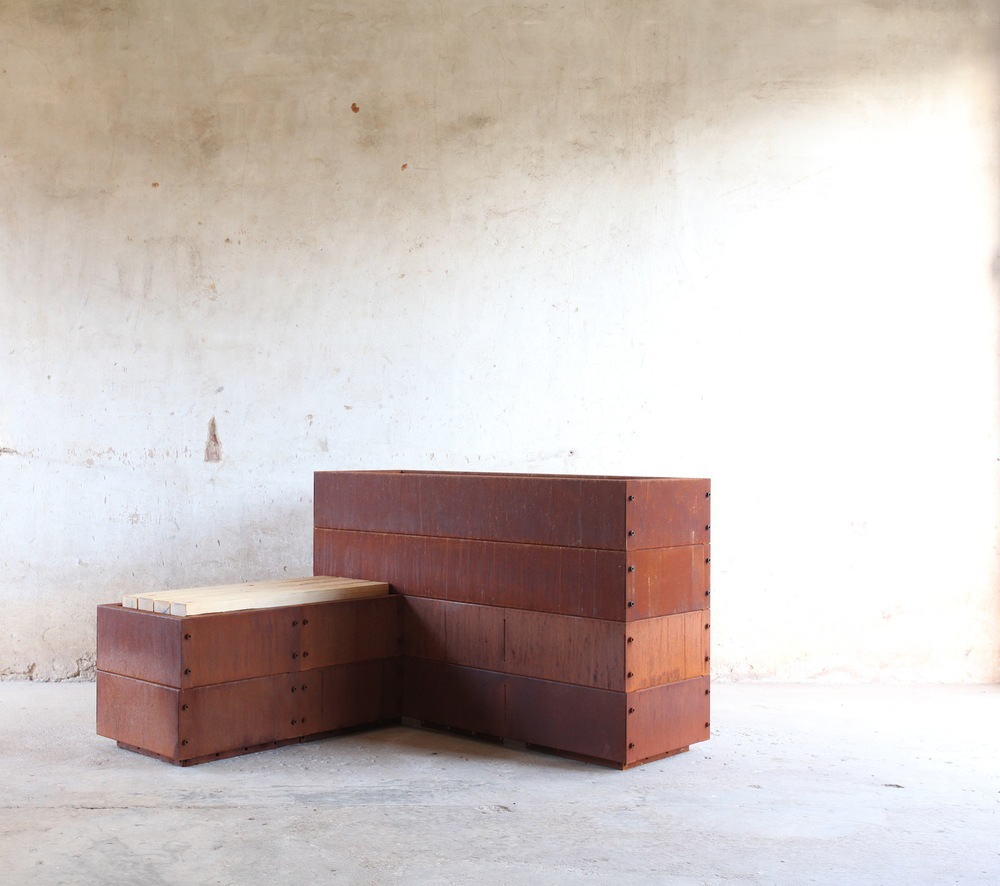 SKEMAH_Corten-Steel-Abilitybox-as-one-seat-and-planter-box-nrn14074606-web-res.jpg
