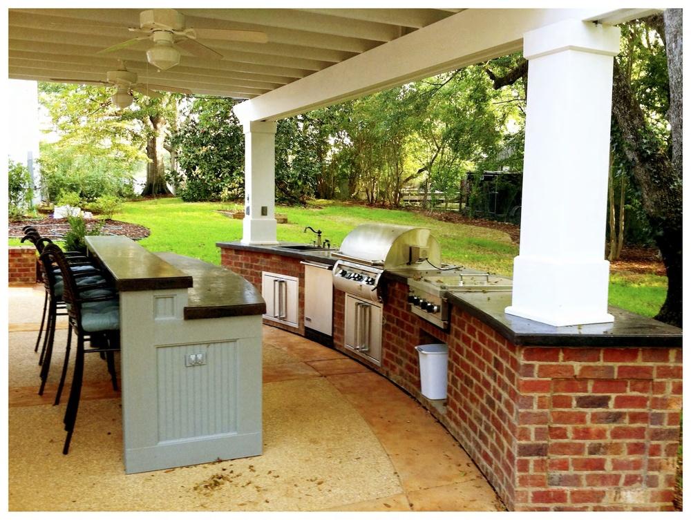 Outdoor Kitchen-1.jpeg