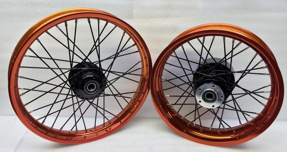 Street 750 Wheels in Candy Orange