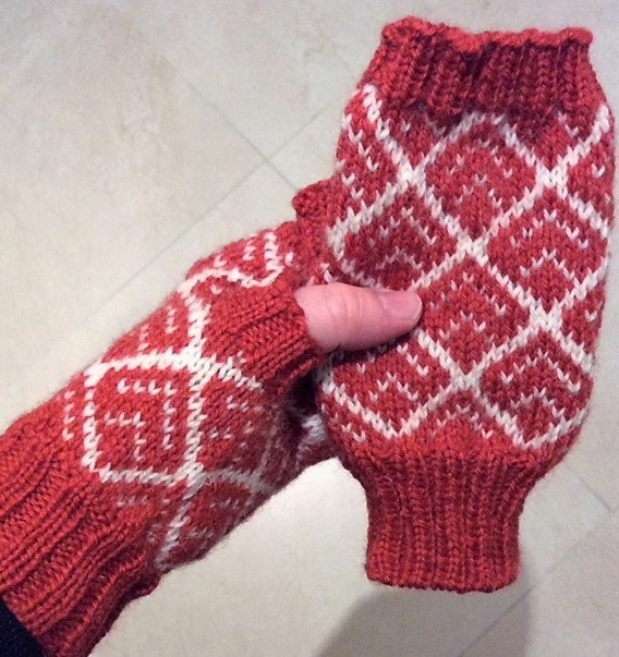 Kate Davies mittens Buachaille 1.jpg