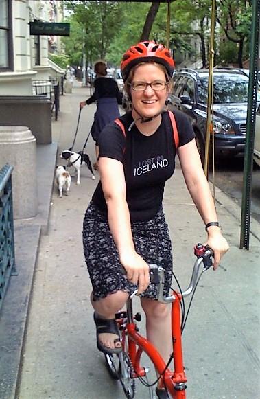 08-07 Jette paa cykel.jpg