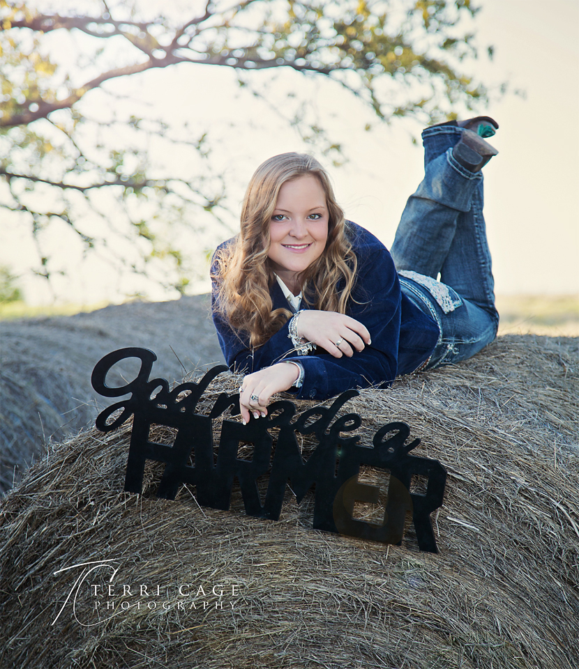 God made a farmer sign senior photo