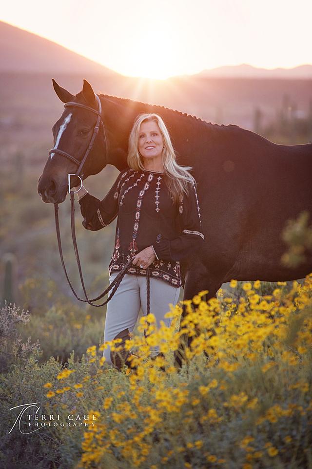 desert, horse, equine, photography, saguaro, cactus, flowers,