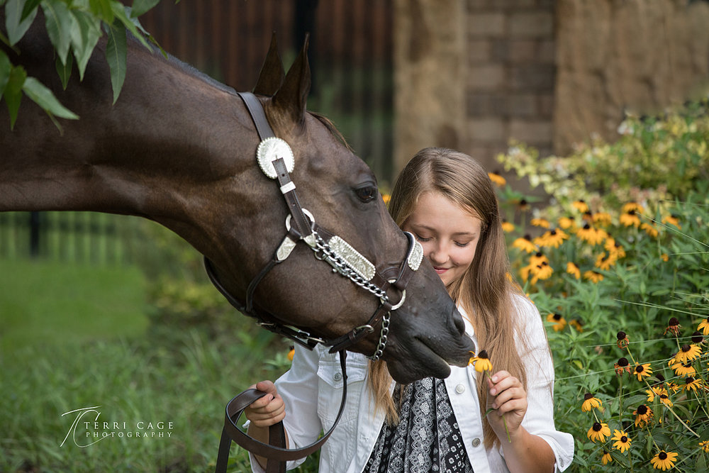 cute horse photos, girl with horse, flowers