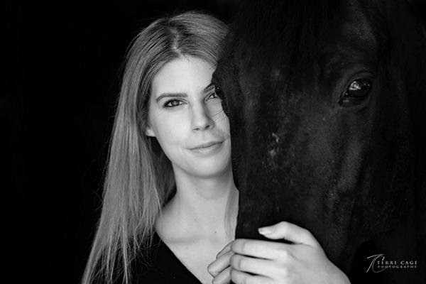 Studio Black & White Horse