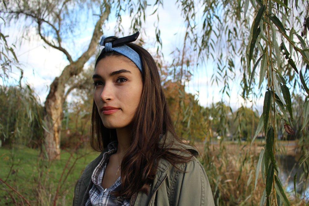 Mel Denim Leather Profile Gorg.jpg