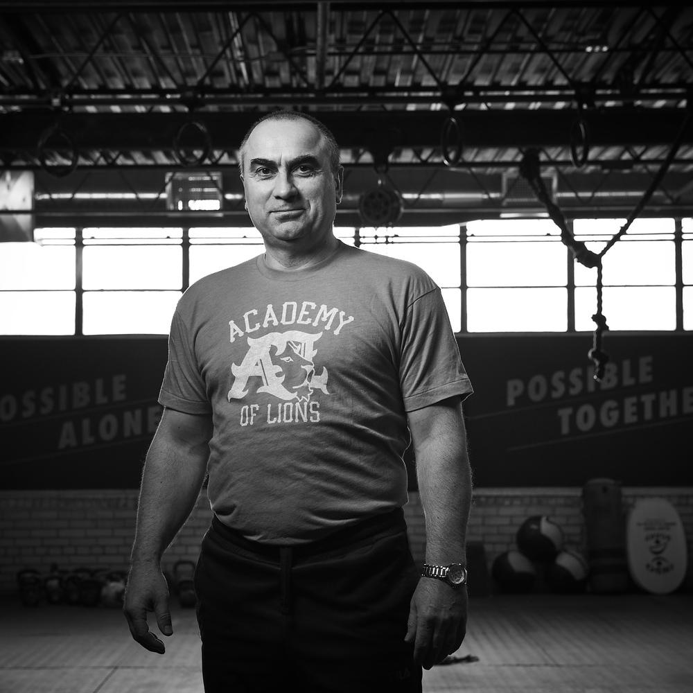 ALEX VARBANOV Olympic Weightlifting Legend, Team Coach