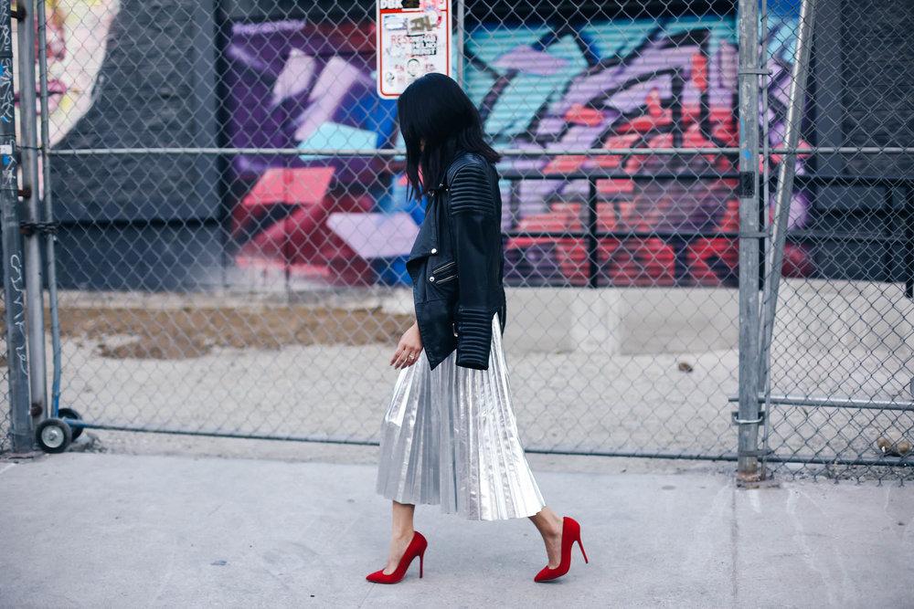 2-silver-skirt-nina-citizensrunway-ryanbyryanchua-9653.jpg
