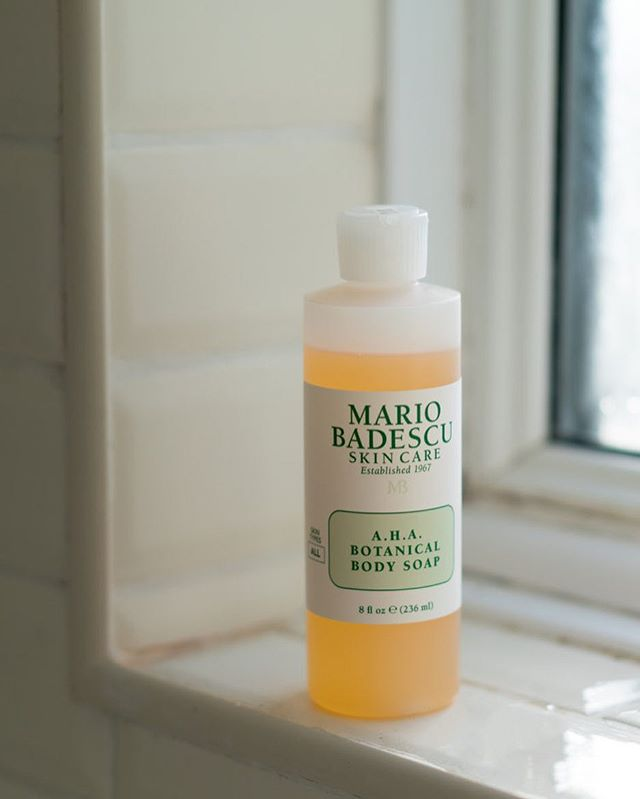 Procrastination has been rife today and I've just published my first blog post in 6 months. Successful avoidance of actual work 👀 • • • #mariobadescu #beauty #instabeauty #igbeauty #bbloggers #bblogger #beautybloggers #shelfie #topshelf
