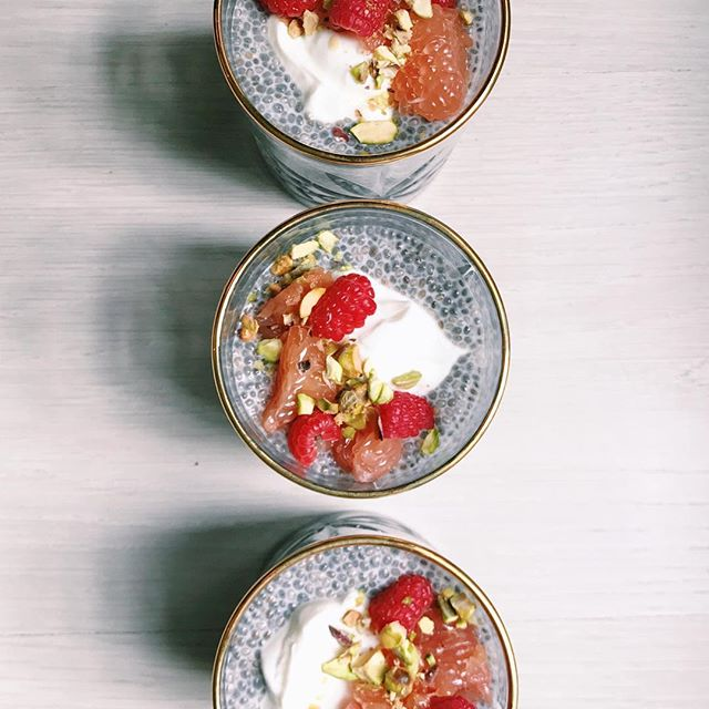 Part 2 of the chia seed pudding recipes @hannahbronfman and I made last week are up on @hbfit stories this evening - check out this version using pistachios, grapefruit, raspberries and coconut yogurt ❤️❤️❤️ | #brunchpants