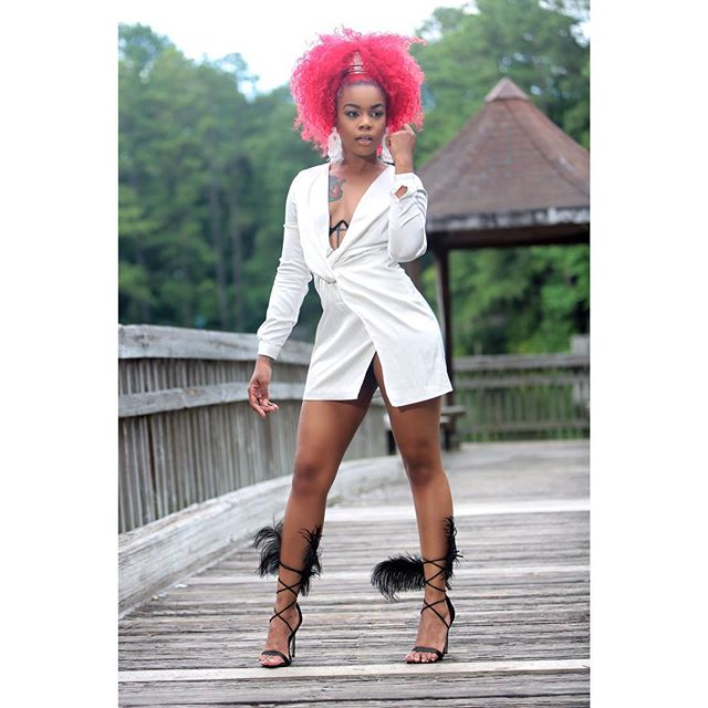 Have you read my latest #blog entry? Link in #bio . . 📷 @terry_brown70 . . #instyle #thecutludw #streetstyle #fashionnova #white #diy #cosignmentstore #handmedowns #igers #ootd #looks #lookbook #streetstyle #streetlooks #streetfashion #blogmodel #influencer #stylist #redhead #lookoftheday #