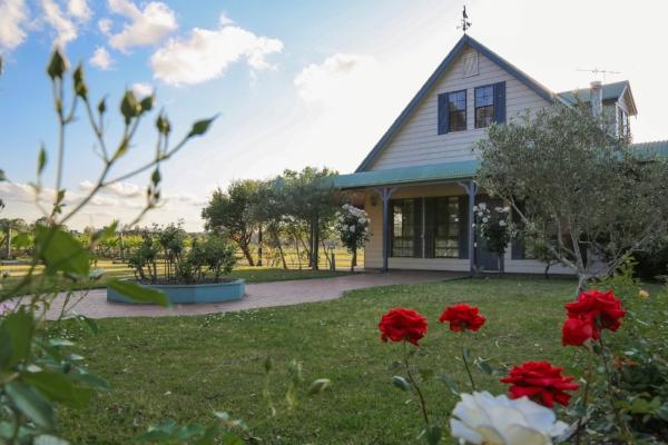 Cottage & Roses.jpg