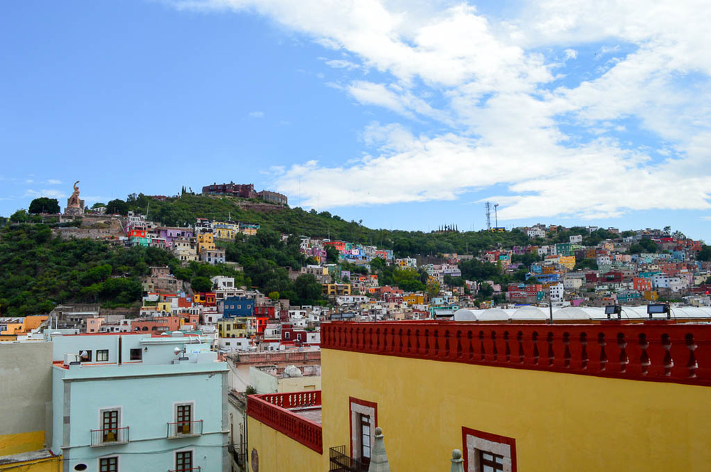 CONTIKI REVIEW: ThE colored houses of Guanajuato, Mexico