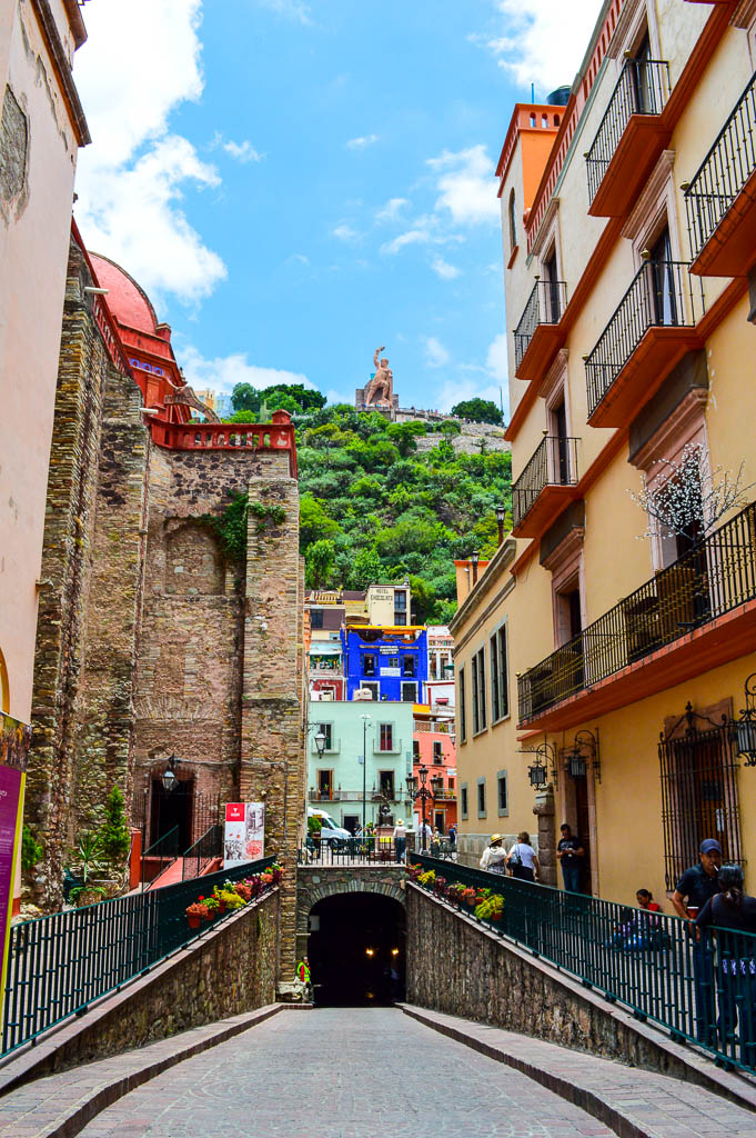WALKING TOUR GUANAJUATO, MEXICO: SIGHTSEEING