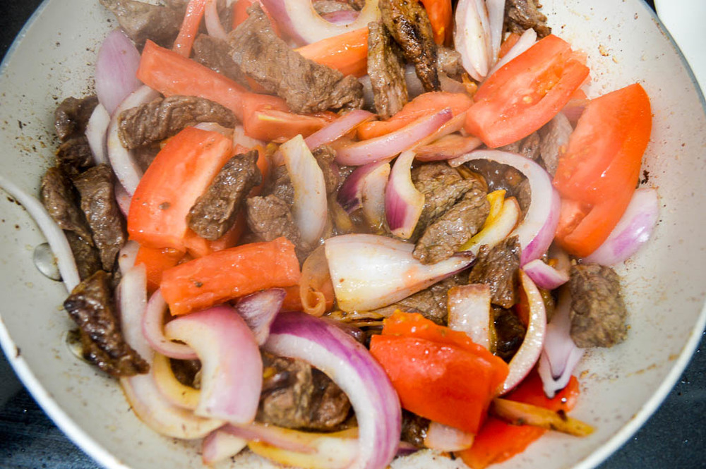 Cooking Peruvian food, Lomo Saltado