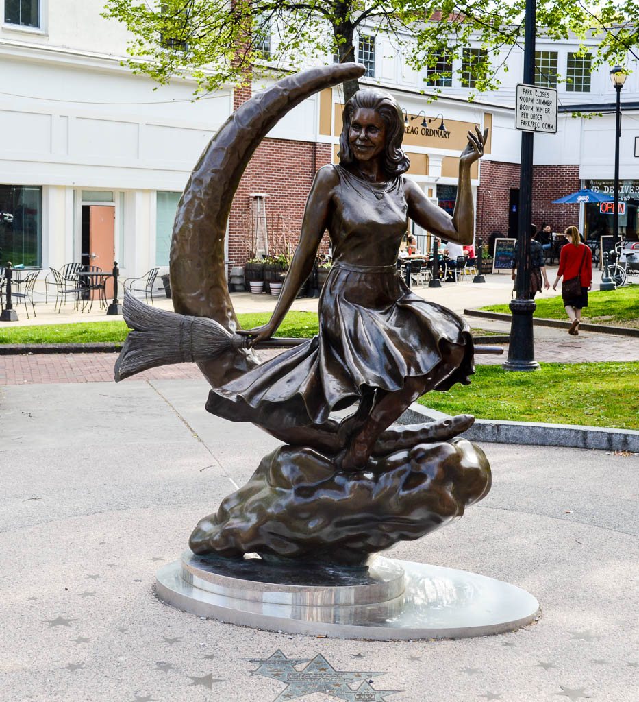 BEWITCHED STATUE IN SALEM MA NEW ENGLAND ROAD TRIP