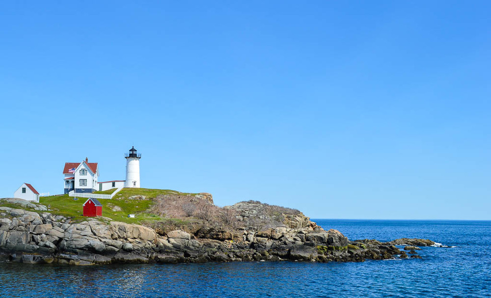 CAPE NEDDICK LIGHTHOUSE IN MAIN, NEW ENGLAND ROAD TRIP USA