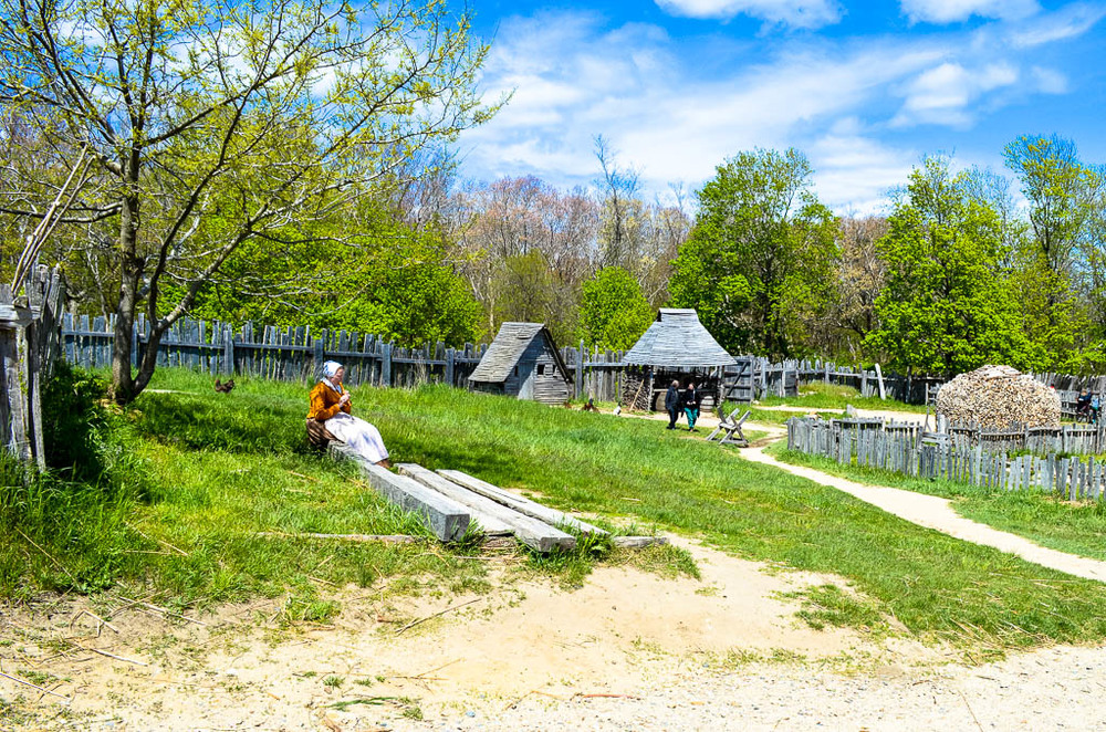 EXPLORING THE LIVING HISTORY EXHIBIT OF THE PILGRIMS AT PLIMOTH PLANTATION
