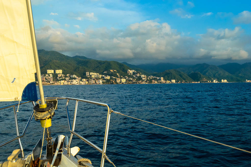 THINGS TO DO IN PUERTO VALLARTA MEXICO: SUNSET SAILING