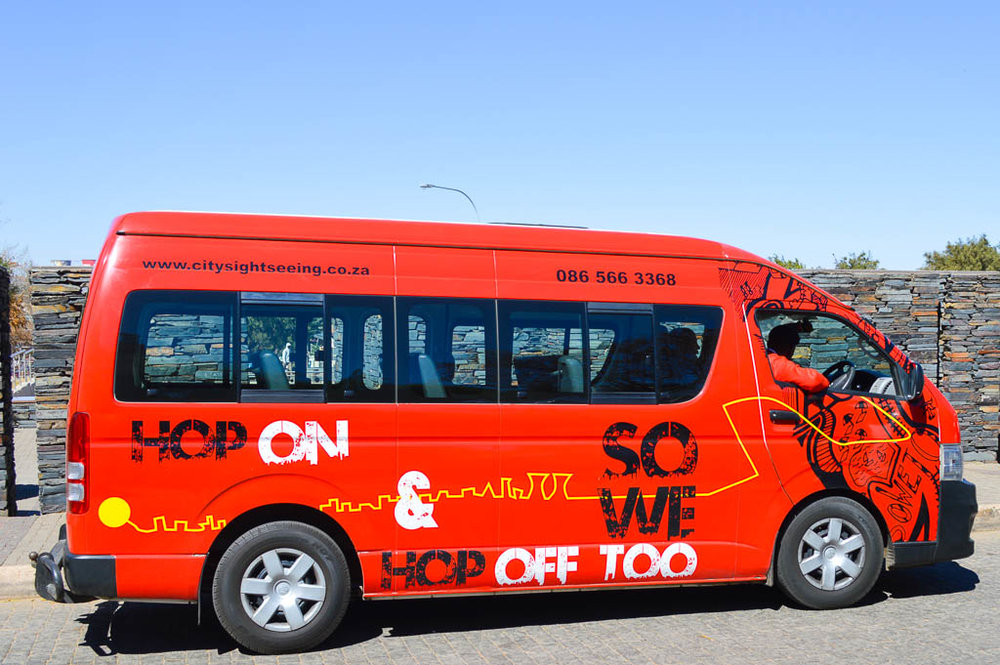 HOW TO SEE SOWETO: HOP ON HOP OFF BUS JOHANNESBURG, SOUTH AFRICA