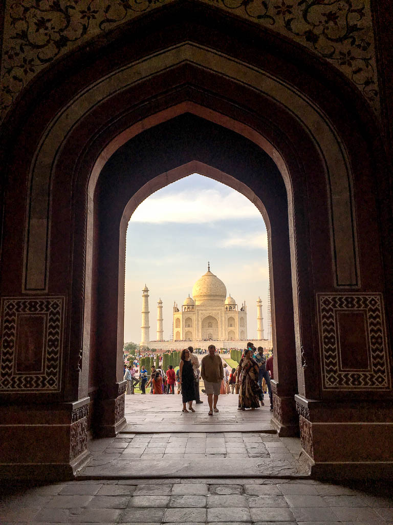 VISITING THE TAJ MAHAL GUIDE