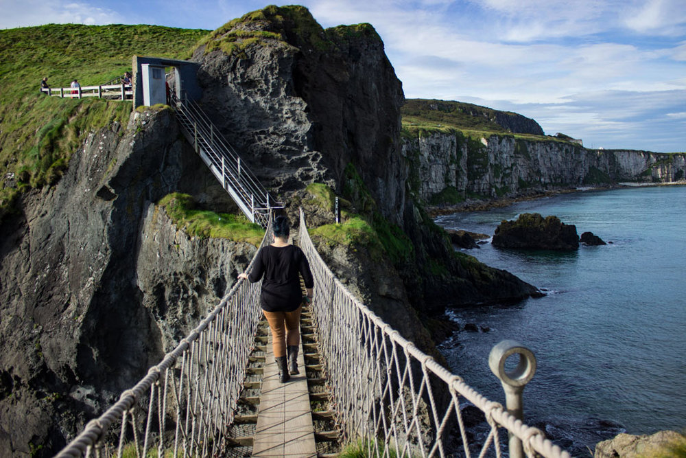 THINGS TO DO IN NORTHERN IRELAND: Carrick-A-Rede rope bridge