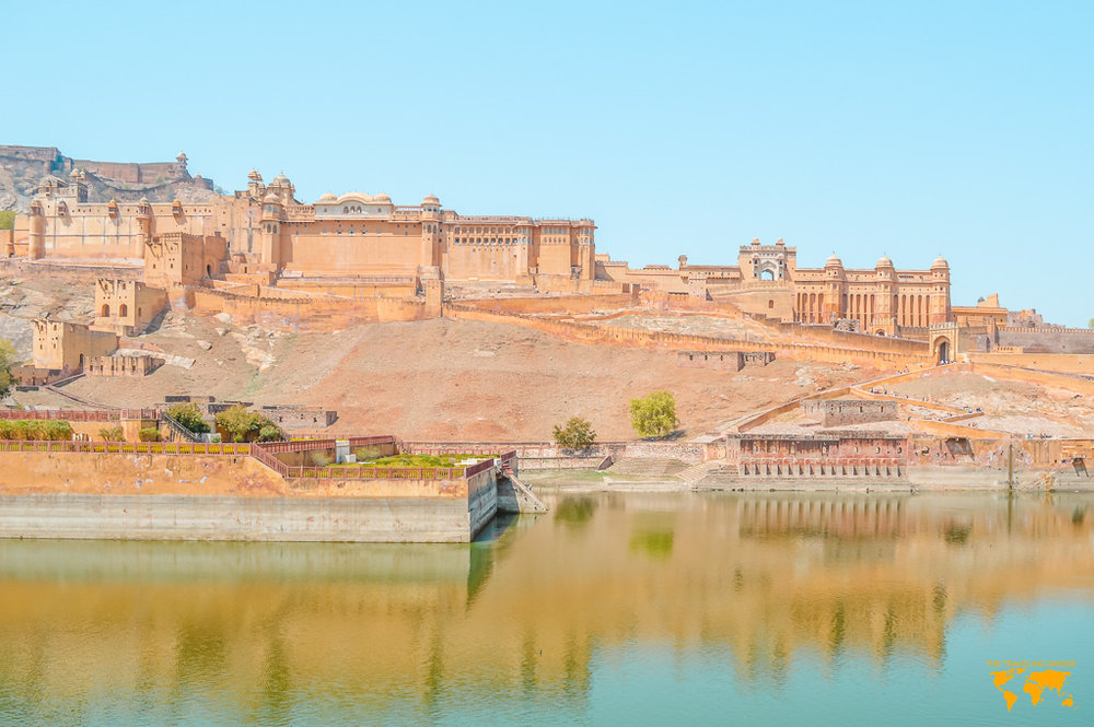 TRAVEL TO INDIA WITH CONTIKI (AMER FORT)