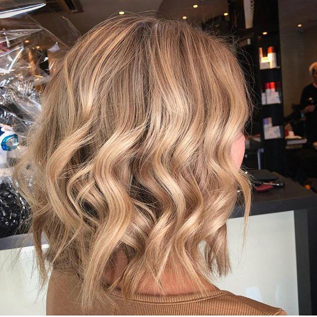 Bye bye scalp bleach 👋🏼 @ellievdw_zenhair #brisbanehairdresser #lakmecolour @olaplex @olaplexau #changes #livedincolor #texture