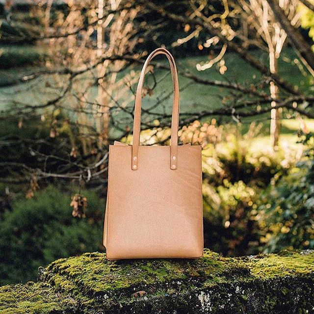 Limited run of 10 Long Prosperity bags are now available online! This batch will made with premium B grade vegetable tan leather and a hand cut wood base 👍Link in profile.