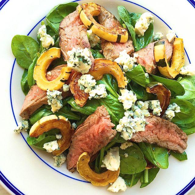 gallery-1443631171-weeknight-dinner-steak-salad.jpg