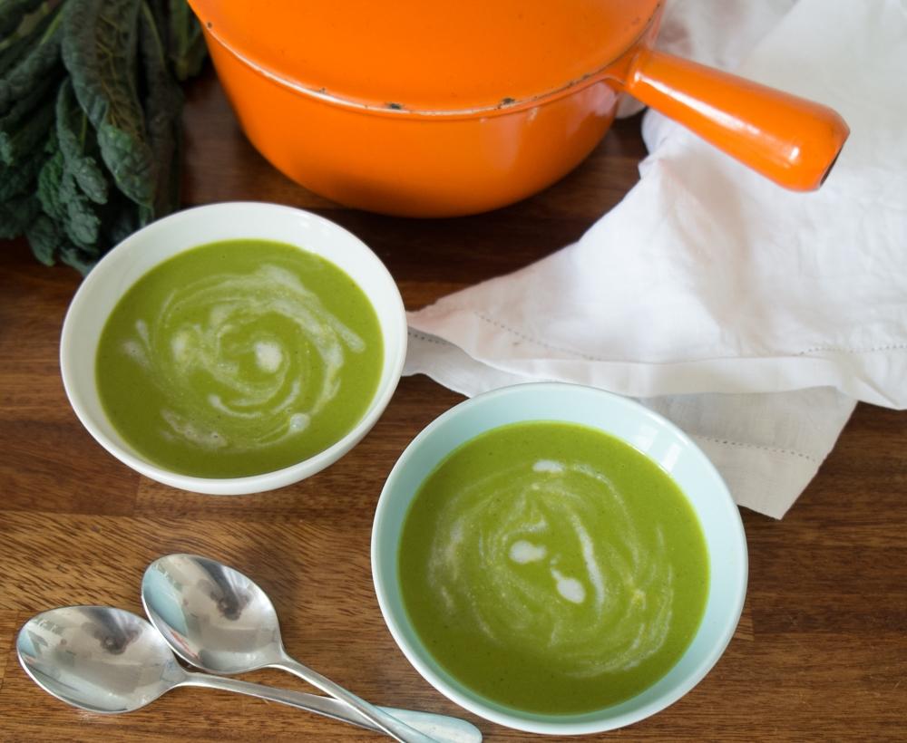 Cauli, kale & coco soup - serving