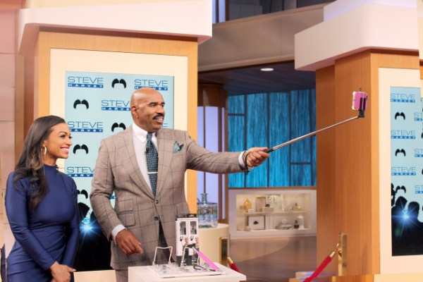 Steve Harvey demonstrating a Selfie On A Stick Classic