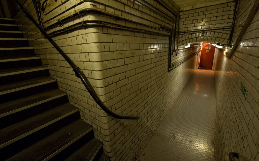 Tunnel between Steakhouse Lane Custody Suite and the Victoria Law Courts - Image: Birmingham Post