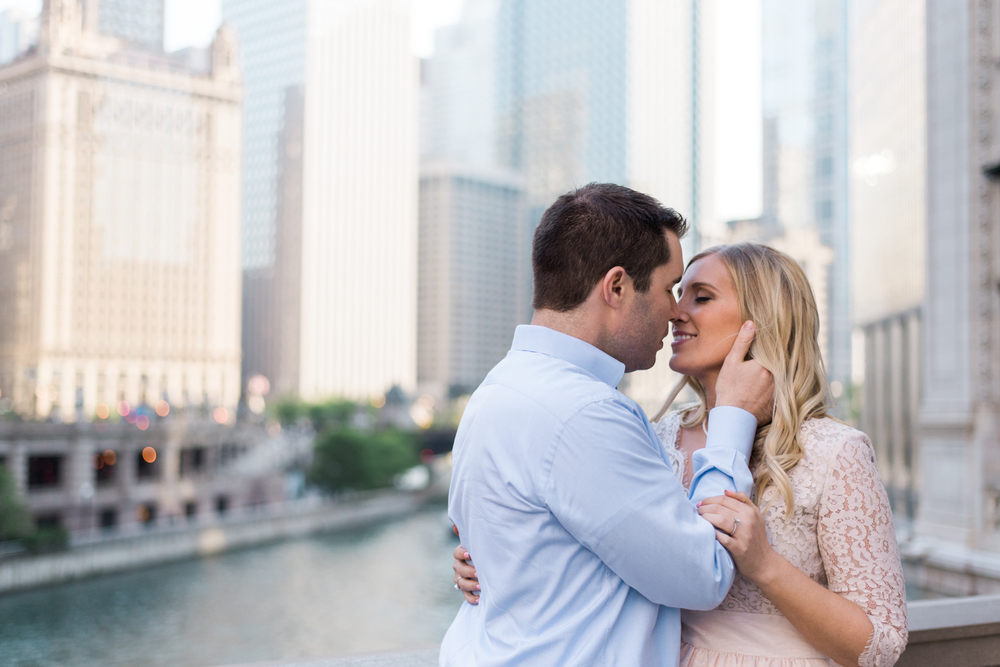 Downtown Chicago Wrigley Building Engagement Session | Chelsea Bliefernicht Photography